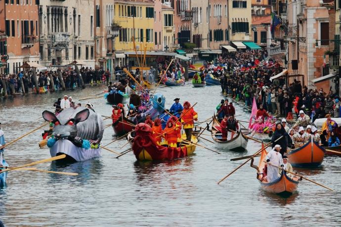 Corona virüsü sebebiyle Venedik Karnavalı iptal edildi