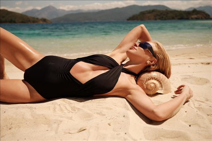 Burcu Esmersoy For İpekyok Beachwear 2021 Koleksiyonu