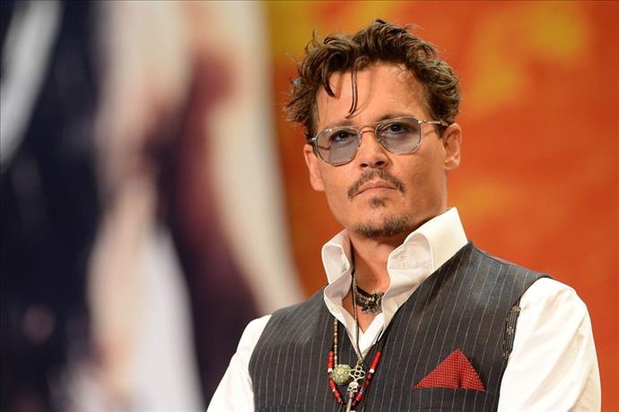 Johnny Depp İngiliz medya devini mahkemeye verecek