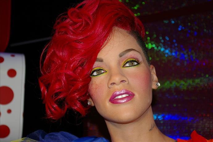 Rihanna  İngiltere'nin en zenginleri arasında