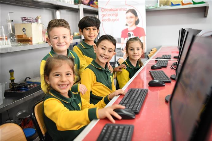 Dijital Eğitime 20 Milyon Avro'luk Destek