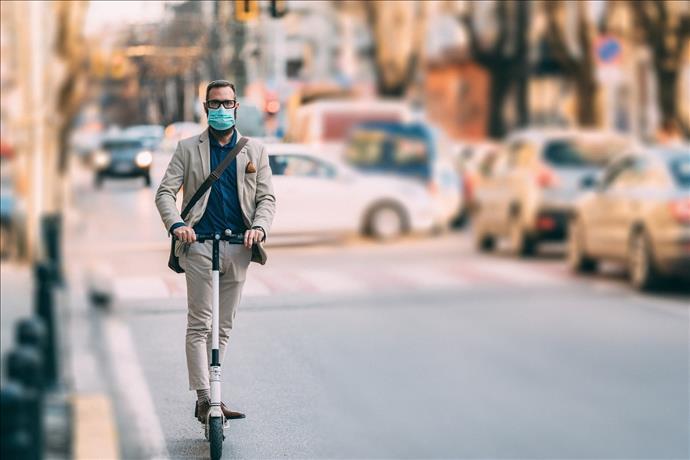 Normalleşme BaşladıE-Scooter'lar Caddelere İndi