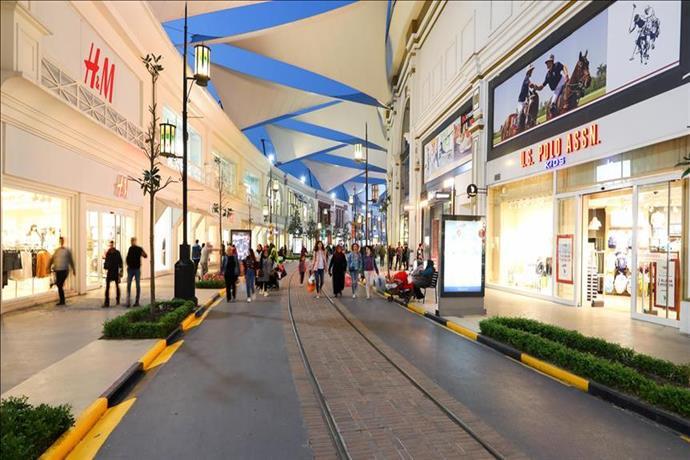 İsfanbul AVM'nin Cadde TV'si yayına başladı