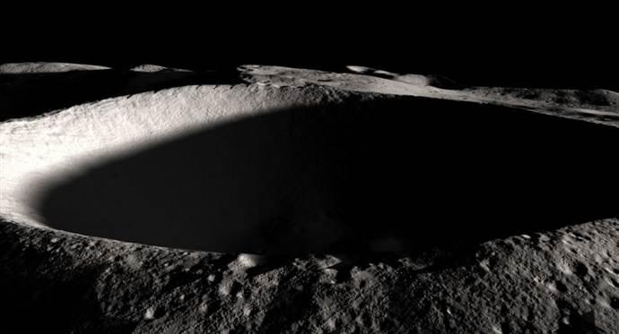 Bilim insanlarından Ay'daki buz açıklaması
