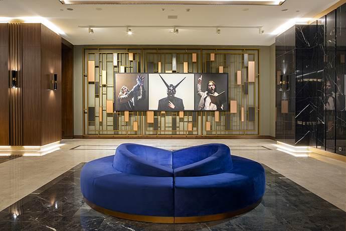 Ressam Mine Tudun'un eserleri Hilton Maslak'ta sergileniyor