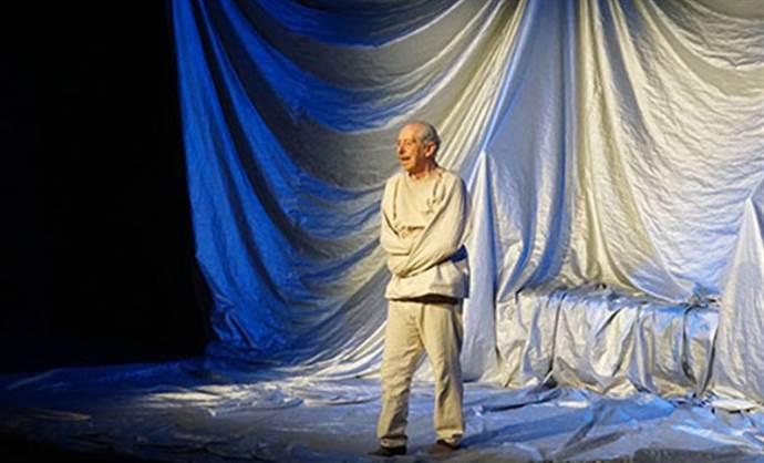 Genco Erkal 'Bir Delinin Hatıra Defteri' 22 Ekim'de sahnede