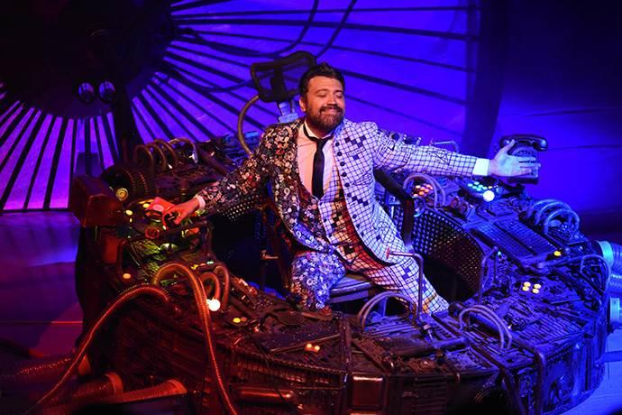 Bülent Bey'in Hikâyesi 26 Ekim'de TİM Show Center'da