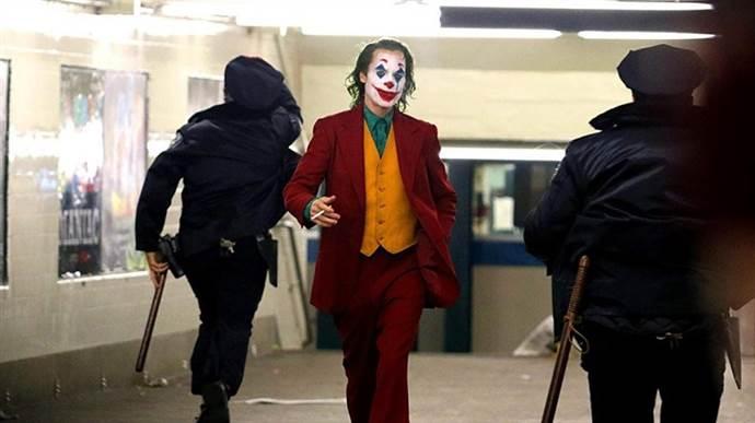 Joker, Deadpool'un tahtını sallıyor