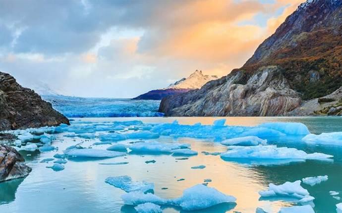 Patagonya'daki dünyanın en büyük buz tarlaları erimeye başladı