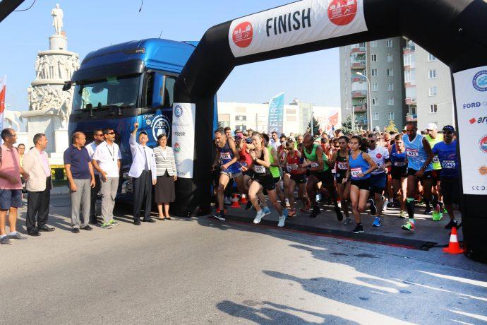 Ford Otosan Eskişehir Kurtuluş Yarı Maratonu yoğun ilgi gördü