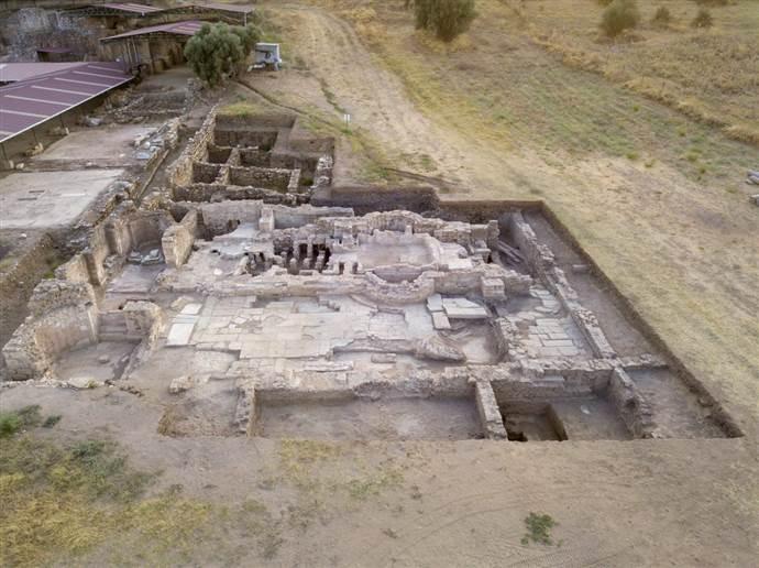 İzmir'de 1500 yıllık mühendislik harikası bina keşfedildi