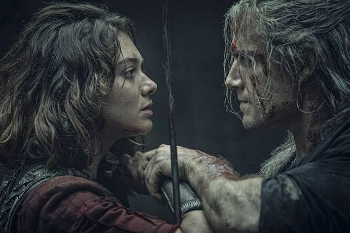 Netflix, The Witcher dizisinin resmi afişini paylaştı