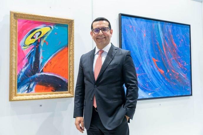 Ressam CEO Yurdaer Kahraman ilk kişisel sergisini açtı
