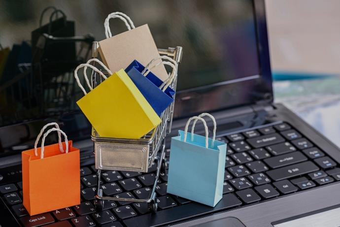 Türkler alışveriş yaparken gerçekten yorumları okuyor mu?