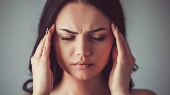 Başınız aniden ağrıyorsa dikkat!