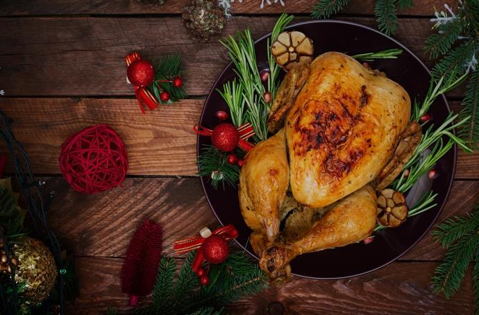 Yılbaşı sofraları için Fırında Sebzeli Bütün Tavuk nasıl yapılır?