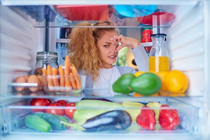 Buzdolabı Kokusu İçin Ne Yapmalı?