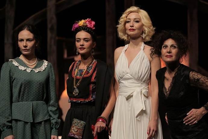 Dali'nin Kadınları dört efsaneyi bir araya getiriyor