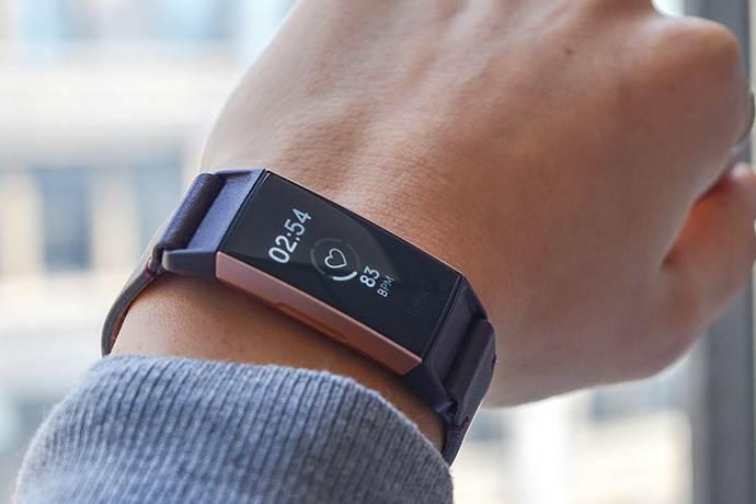Google, akıllı saat üreticisi Fitbit'i almak istiyor