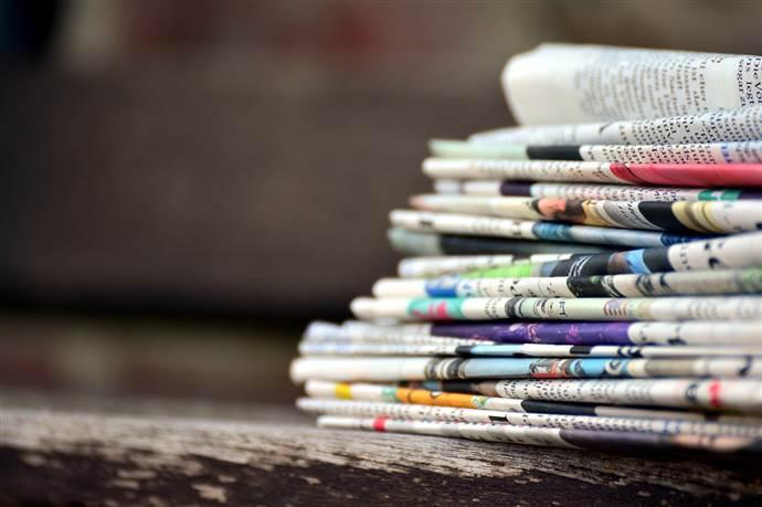 Gazete satışları yarı yarıya düştü