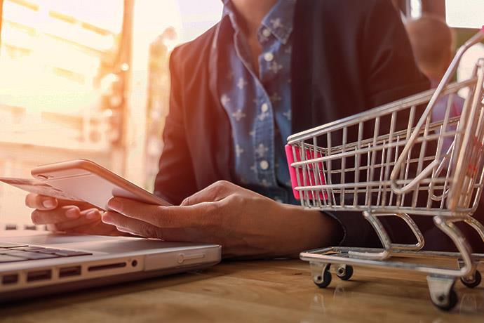 Türkiye indirim günlerinde online alışverişi sevdi