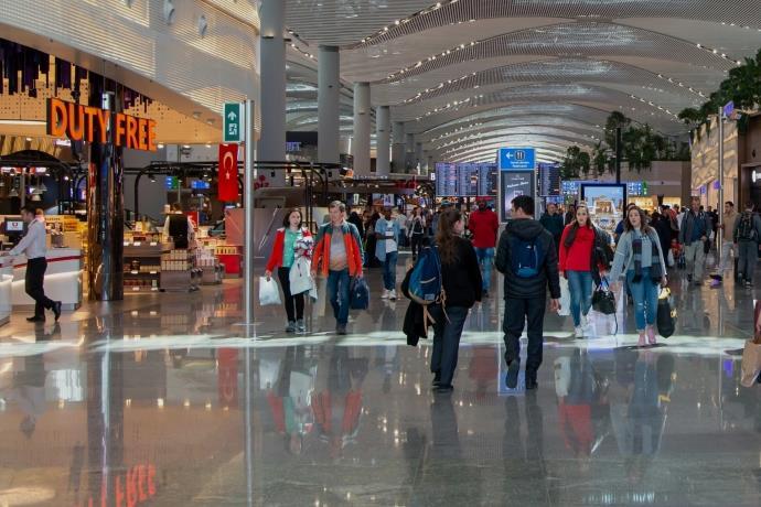 İstanbul Havalimanı günübirlik alışverişçileri çekiyor
