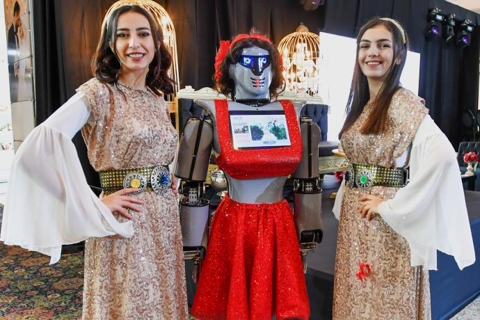 Evlilik Fuarı'na 'kınacı robotlar' damgasını vurdu