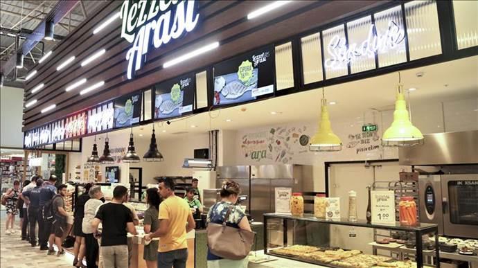 Lezzet Arası Mersin'de müşterilerini bekliyor