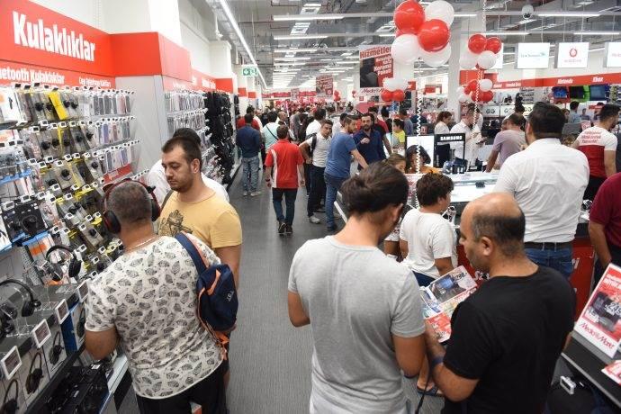 MediaMarkt 30 Ağustos'ta iki mağaza birden açtı