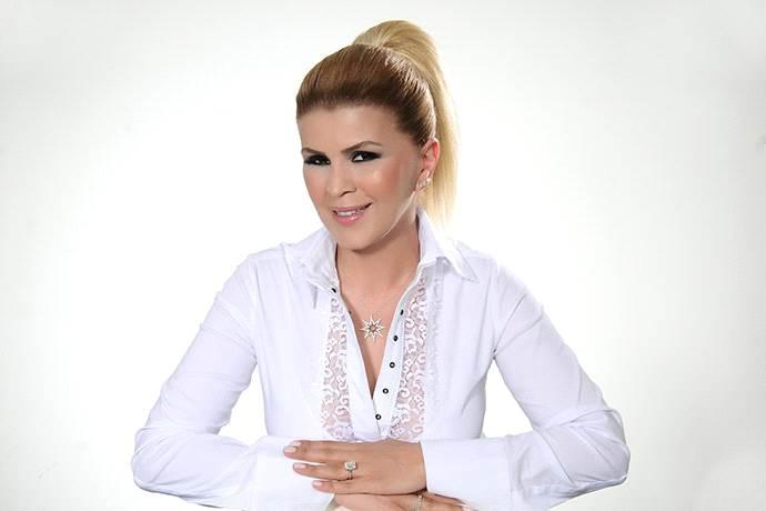 Nuray Sayarı, Erasta Antalya'da 2020 burçlarını yorumlayacak
