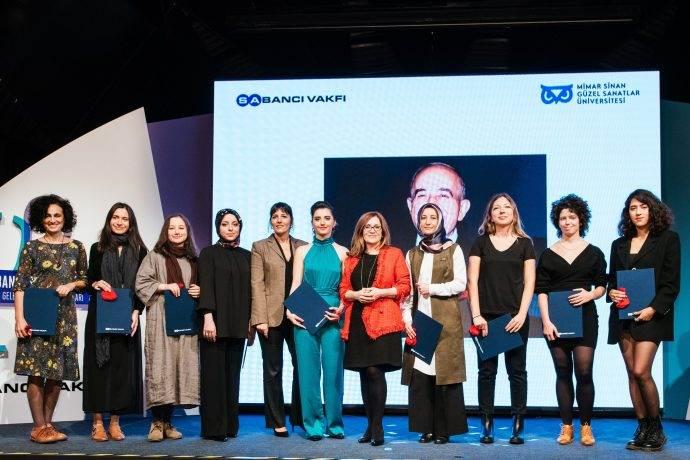Sakıp Sabancı Sanat Ödülleri'ni bu yıl kız öğrenciler aldı