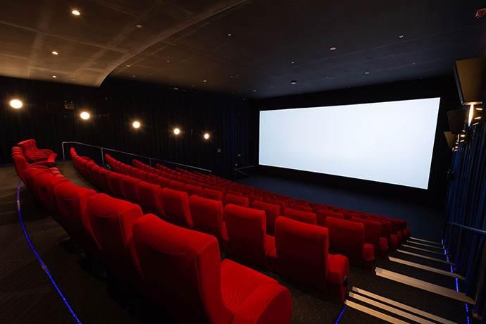 Van AVM 200 öğrenciyi ilk kez sinema ile buluşturacak