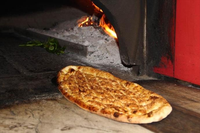 Sivas'ın meşhur yemeği 'Etli ekmek', yurt dışından sipariş almaya başladı