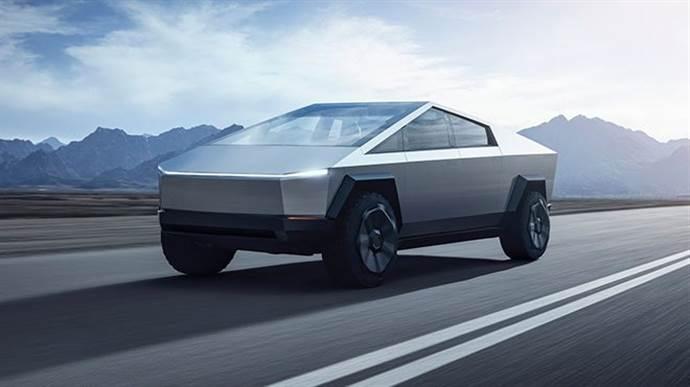 Tesla Cybertruck ilk kez trafikte görüntülendi