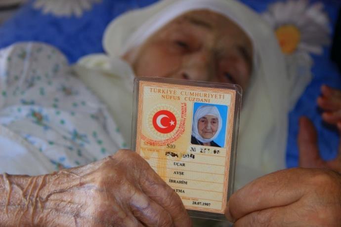 Türkiye'nin en yaşlı insanı yaşamını yitirdi