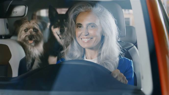 Volkswagen'in Yeni T-Cross ile tanışın dediği reklam
