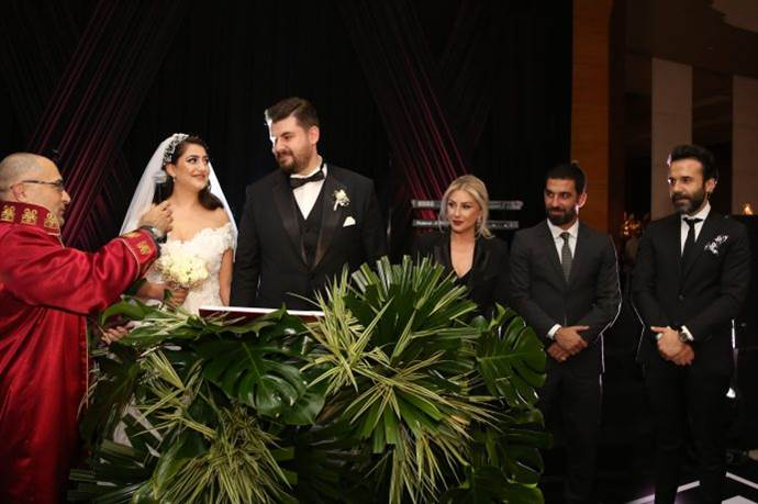 Melisa Elif Yazıcı ile Emrah Akçaay ünlülerin şahitliğinde evlendi