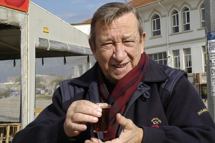Uçurmayı Vurmasınlar filminin yönetmeni Tunç Başaran hayatını kaybetti