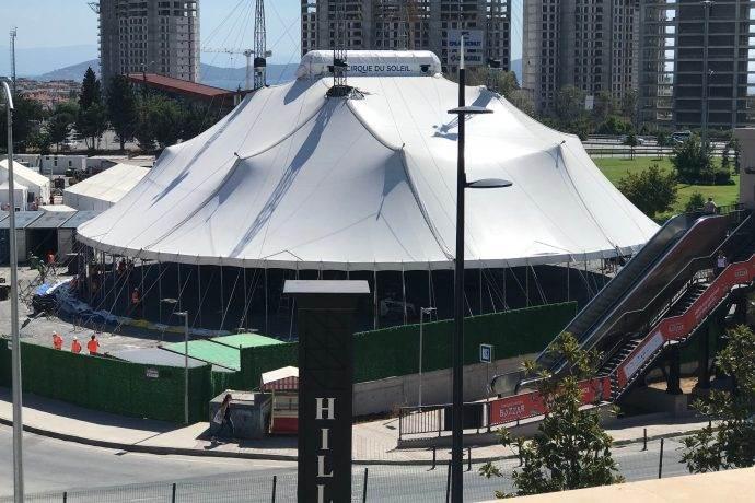 BAZZAR şov çadırı Hilltown AVM'ye kuruldu