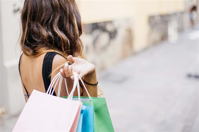Emaar AVM'de 3 Alışverişten 1'i bedava kampanyası