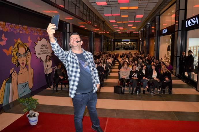 Bilkent Center AVM ünlü astrolog Dinçer Güner'i ağırladı