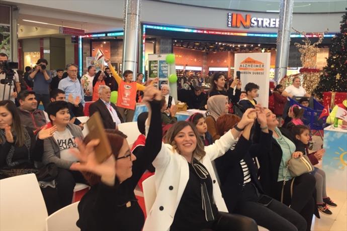 Pozitif Günler Palm City Mersin Ödül Töreni gerçekleşti