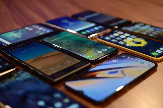 Akıllı telefon piyasası nefes aldı