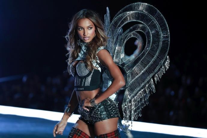Victoria's Secret'ın satışı tamamlandı