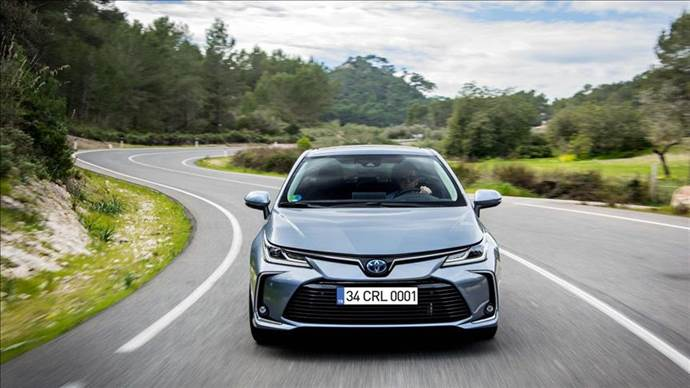 Toyota modelleri Ekim ayında eski fiyatlarla satılacak