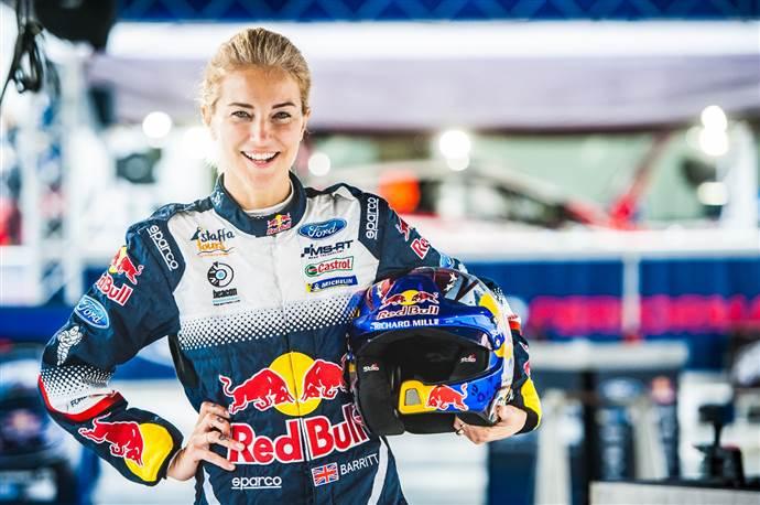 Red Bull Uçuş Gününü Burcu Esmersoy ve Emre Karayel sunacak