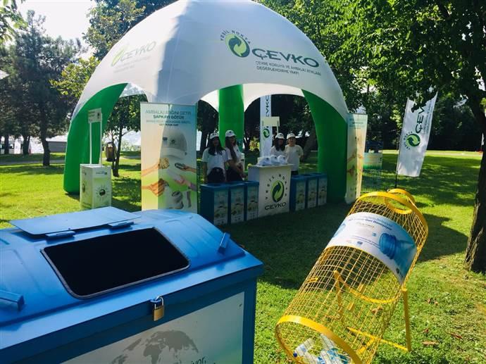 ÇEVKO 4 saatte 50 bin plastik pet şişe topladı