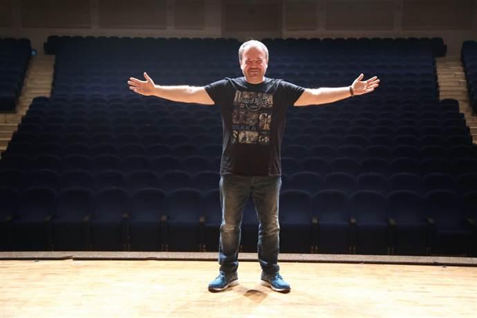 Nihat Sırdar: Radyo bir müzik kutusu değildir