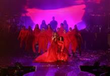 Jennifer Lopez Antalya'da kızıyla düet yaptı