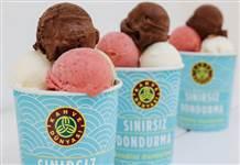 Kahve Dünyası'nda ödüllü dondurma yeme yarışması